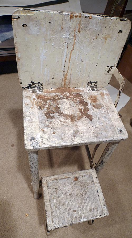 paint stool