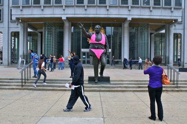 Rizzo-Statue-Featured-Image2-600x400