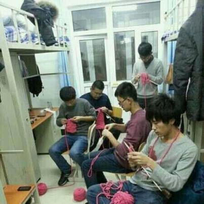 men dorm knitting