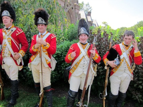 green-wood-cemetery-battle-brooklyn-reenactment-redcoats