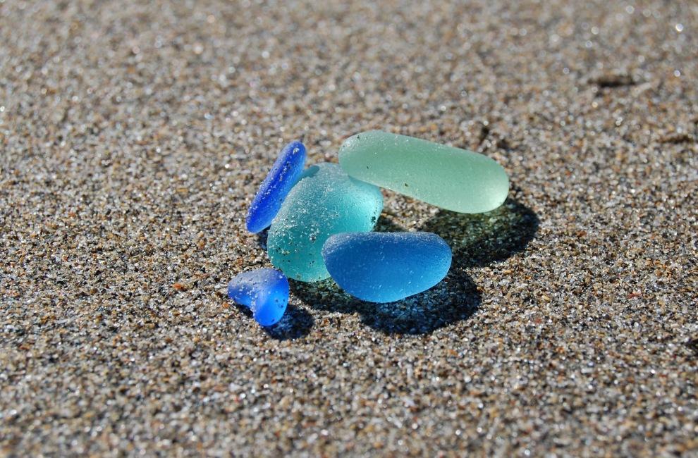 sea-glass-on-the-beach