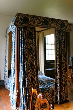 Van Cortlandt House bed