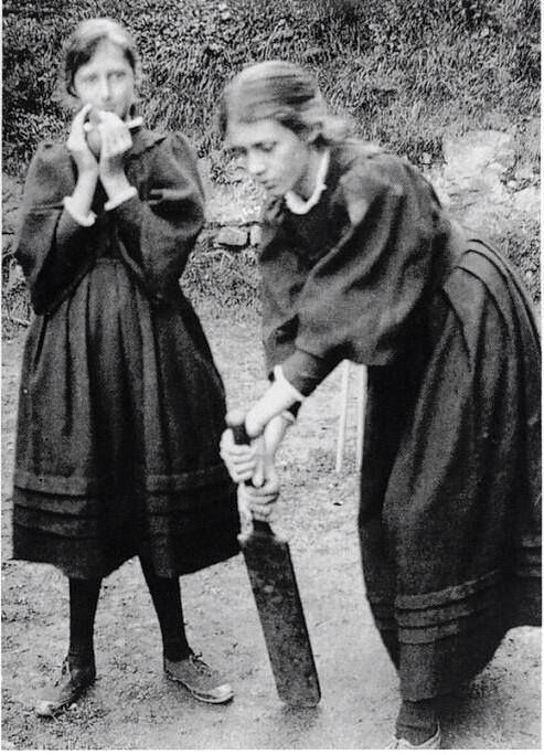 Virginia and her sister Vanessa playing cricket